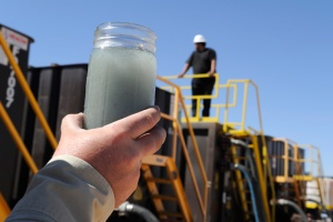 waste water injection eau reflux fracturation hydraulique stop gaz de schiste