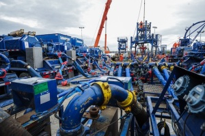 fracking-equipment gaz de schiste