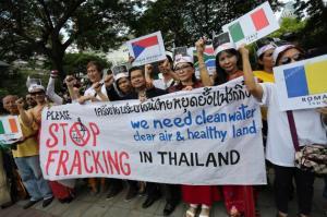 stop fracking thailand gaz de schiste 2