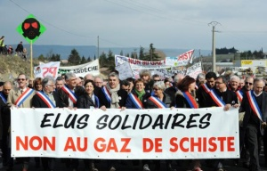 gaz de schiste mobilisation elus et citoyen villeneuve de berg 2011