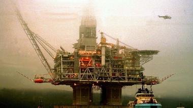 HIBERNIA OIL DRILLING PLATFORM TOWED OUT TO SEA